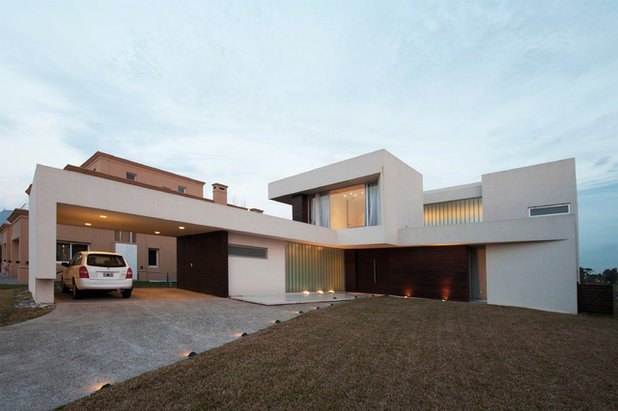 コンテンポラリー 家の外観 by Vanguarda Arquitectos
