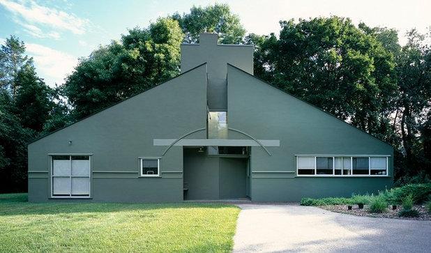 Contemporary Exterior Vanna Venturi House