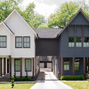 Idee per la facciata di una casa bifamiliare classica a due piani con tetto a capanna