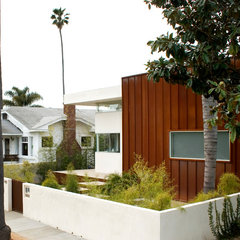 modern exterior by TPA Architecture, Inc.