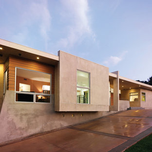Photo of a modern exterior in Los Angeles with wood siding.