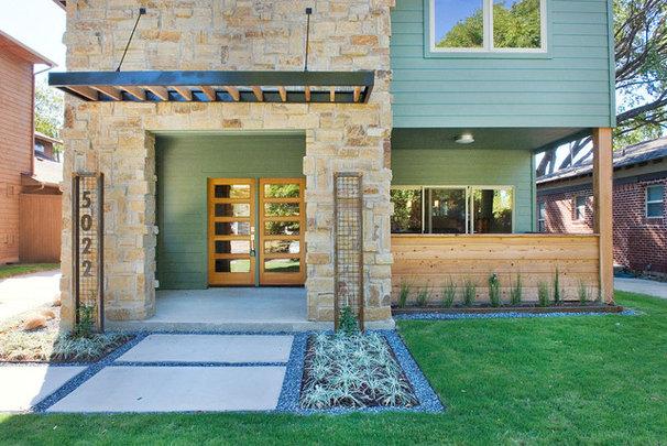 Modern Exterior by Modern Craft Construction, LLC