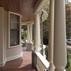 traditional exterior by Siemasko + Verbridge
