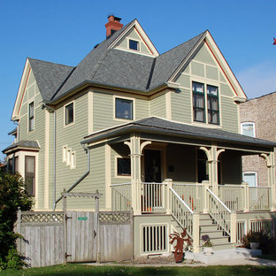 Victorian Style Home - Chicago, IL in James Hardie Siding & Trim