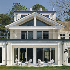 Contemporary Exterior by HP Rovinelli Architects