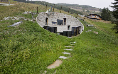 See 6 Homes That Rise to the Rural Landscape