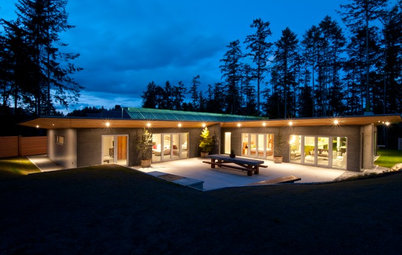Houzz Tour: See a Concrete House With a $0 Energy Bill