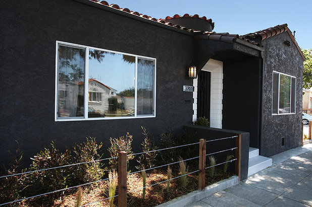 On trend bold and black exterior house color - Dark grey exterior house paint concept ...