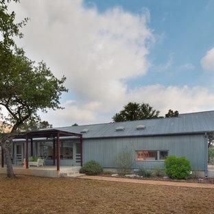 Exempel på ett industriellt hus, med allt i ett plan och metallfasad