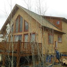 Traditional Exterior by Log Home Finishing LLC Thomas Elliott