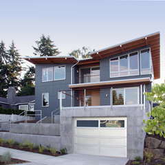 contemporary exterior by David Neiman Architects