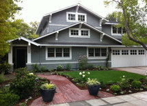 would appreciate a reply on what outside color is used on house/Thanks