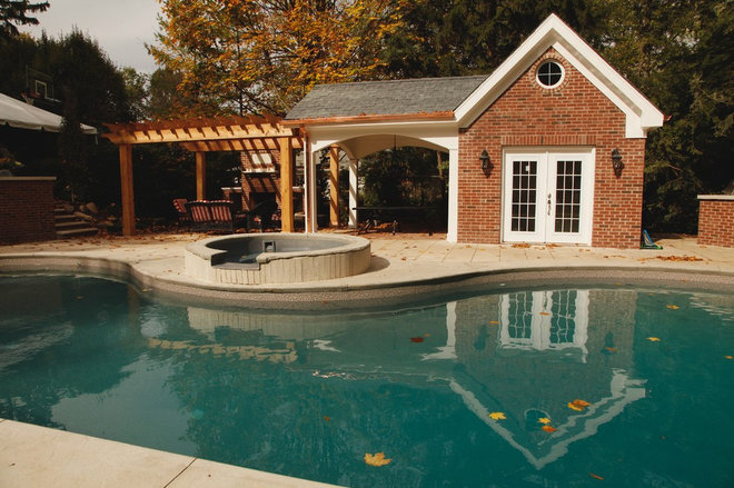 Traditional Exterior by Lemcke Landscape, Inc.