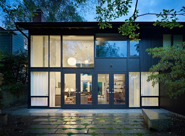 Rétro Façade by Lane Williams Architects