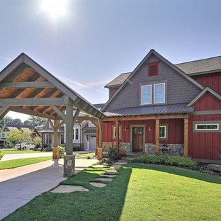 アトランタの中くらいのカントリー風おしゃれな家の外観 (赤い外壁、混合材サイディング) の写真