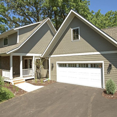 Inspiration for a mid-sized timeless gray two-story vinyl exterior home remodel in Minneapolis