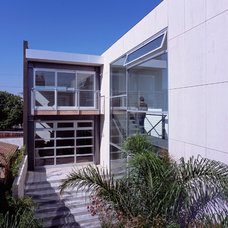 Contemporary Exterior by Ehrlich Architects
