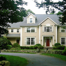 Traditional Exterior by david phillips
