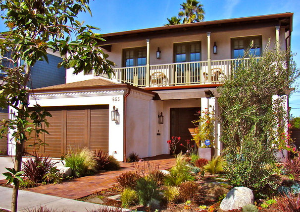 Beach Style Exterior by Wendy Resin Interiors
