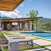 Houzz Tour: Vineyards Inspire a California Dream Home