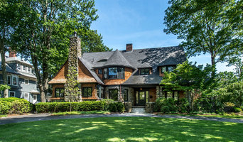 Western Red Cedar Shingled Victorian in Chestnut Hill, MA
