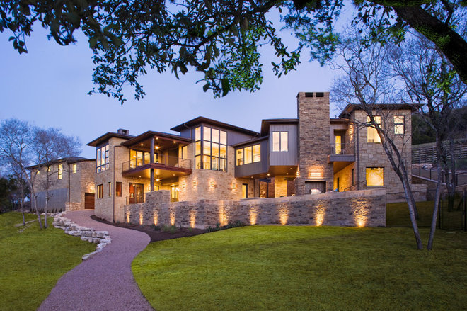 contemporary exterior by James D. LaRue Architects