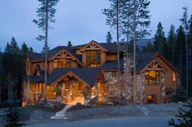 Clásico Fachada by Apex Mountain Homes