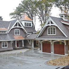 Craftsman Exterior by Sears Architects