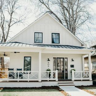 На фото: дом в стиле кантри