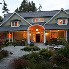 Traditional Exterior by Casa Architecture and Interior Design