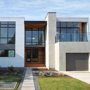 Minimalist exterior home photo in Seattle