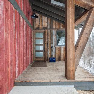 Diseño de fachada multicolor, rústica, con revestimiento de madera