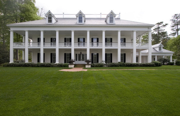 Traditional Exterior by Kenneth Lynch & Associates