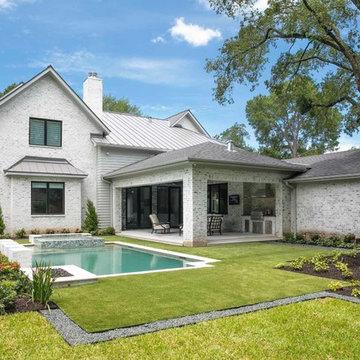 Whitestone Builders - Farmhouse Transitional Glourie
