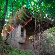 Contemporary Exterior by ROBERT HARVEY OSHATZ, ARCHITECT