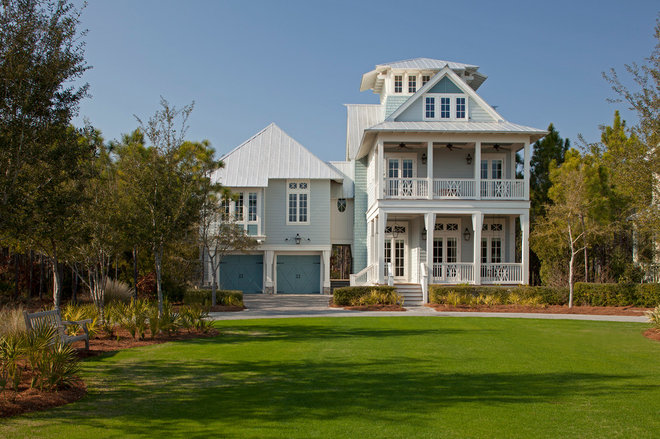 Beach Style Exterior by Geoff Chick & Associates