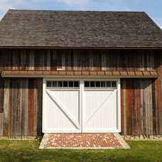 Farmhouse Exterior by ARCHIA HOMES