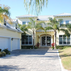 Tropical Exterior by Hyatt Design, Inc.
