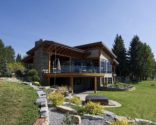 Foto e idee per facciate di case facciata di una casa in for Piani casa unifamiliare