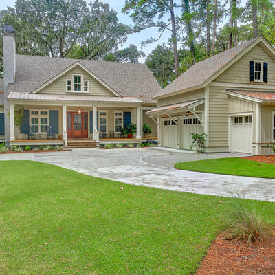 Mid-sized transitional gray two-story concrete fiberboard exterior home idea in Charleston with a shingle roof
