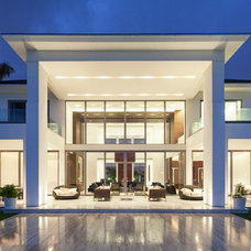 Modern Exterior by Window World S.A.