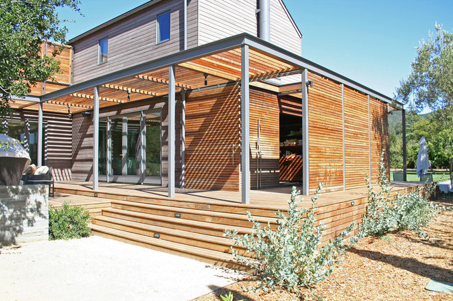 Modern Exterior by Lorin Hill, Architect