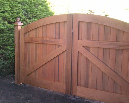 wooden driveway gates houzz. Black Bedroom Furniture Sets. Home Design Ideas