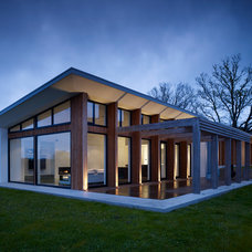 modern exterior by Moloney Architects