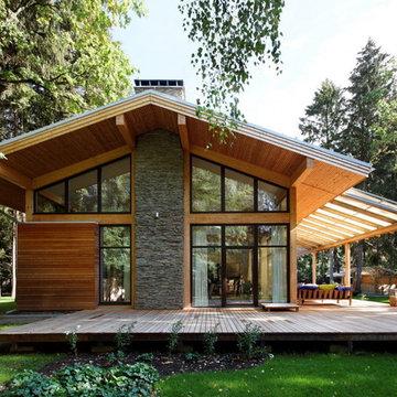 """Woodlark"" House"