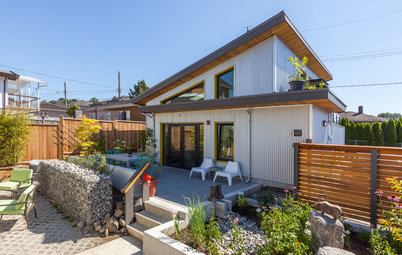 Houzz Tour: Affordable Living in a Bright Backyard Mini Home