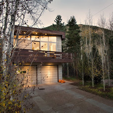 Rustic Exterior by Studio B Architecture + Interiors