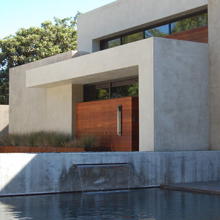 This is an example of a modern two-storey beige exterior in Sacramento.