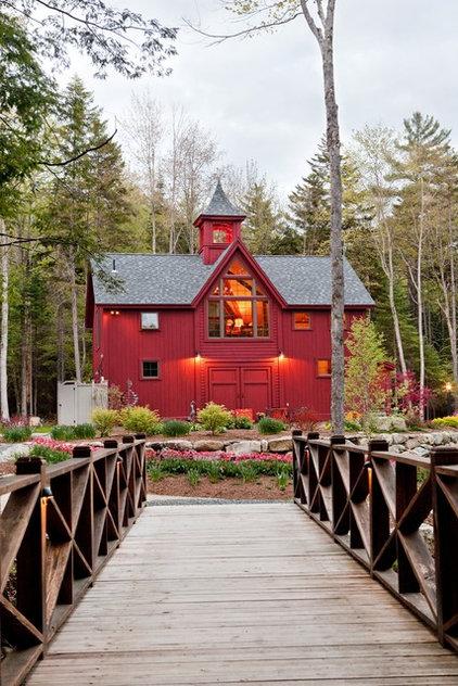 Farmhouse Exterior by Yankee Barn Homes