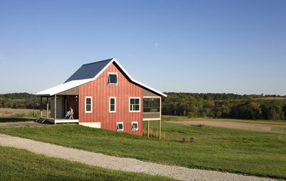 Houzz Tour: Contemporary Country Charm in Iowa